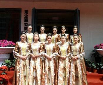新乡市模特礼仪学校受邀参加建业活动