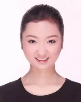 2012届学生 许梦珂--就读于郑州大学